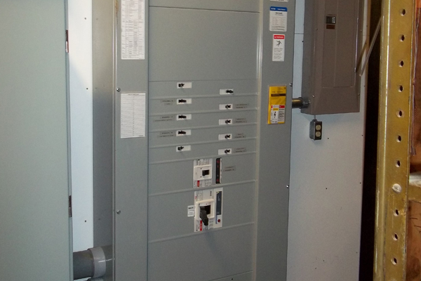 commercial electrical wiring and lighting circuit board